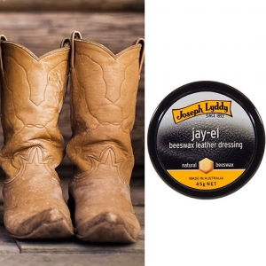 Breathe new life into your beloved boots with Jay-El beeswax leather dressing, for softening and preserving saddlery and smooth leather goods. For more information visit our website, link in the bio.